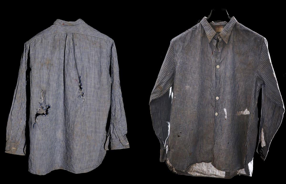 történeti tárgyi gyűjtemény 1956 átlőtt ing