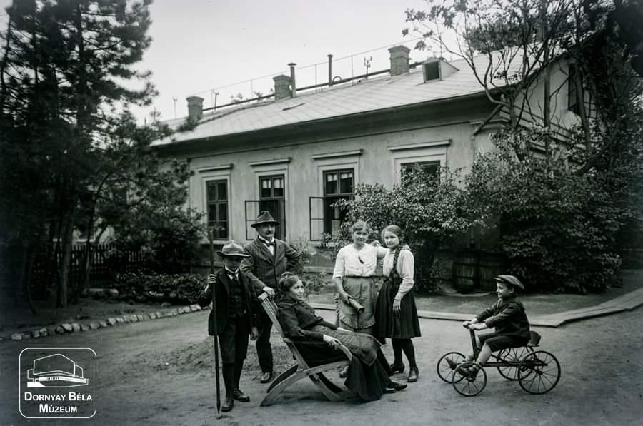 Minden napra egy Gábler sorozatunk következő darabja: Gábler Vilmos családja körében, 1918