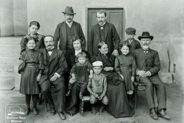 Minden napra egy Gábler sorozatunk következő darabja: A Gábler és a Billeter család, 1911