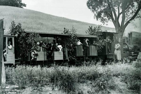 Minden napra egy Gábler sorozatunk következő darabja: Utasok a fogaskerekű vasúton, 1917